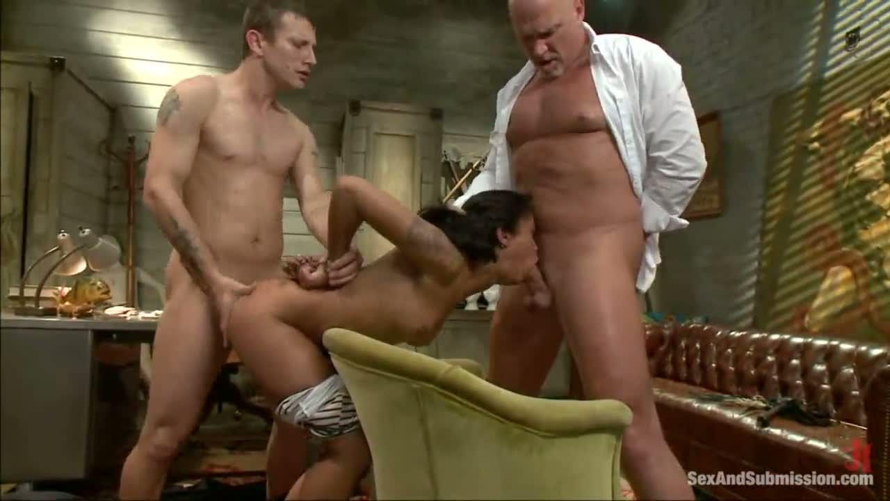 Amateur Big Dick Threesome