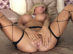 Blake Rose with huge jugs and clean snatch has some time to play with her love hole