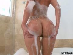 Hot Jada Stevens washing the nice big ass