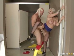 Johnny Sins gets pleasure from fucking dangerously horny Kate Frosts muff pie