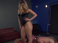 Sexy domina Alexis Texas and her slave boy Jeremy Conway